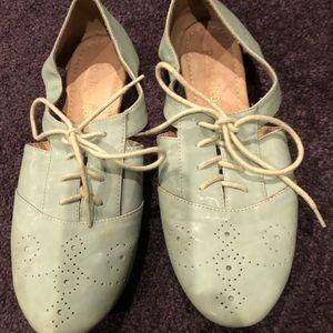 Restrictied brand mint oxford loafers Sz 8.5